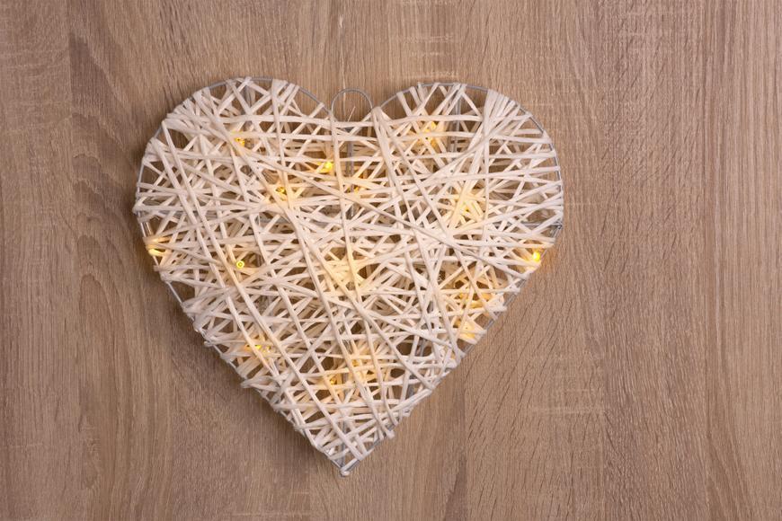 Dekoracia MagicHome Rattan Metal Heart, 15xLED, 30x6 cm, 3xAA, interér